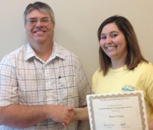 Paul Crum, Itawamba Communitt College program director, presents Shana Turpin the MS Radiological Society Scholarship Award.